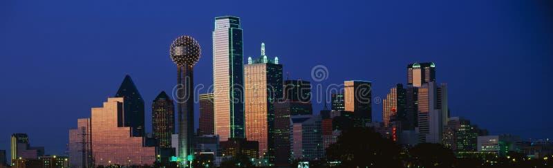 Dallas, horizon de TX au crépuscule photographie stock