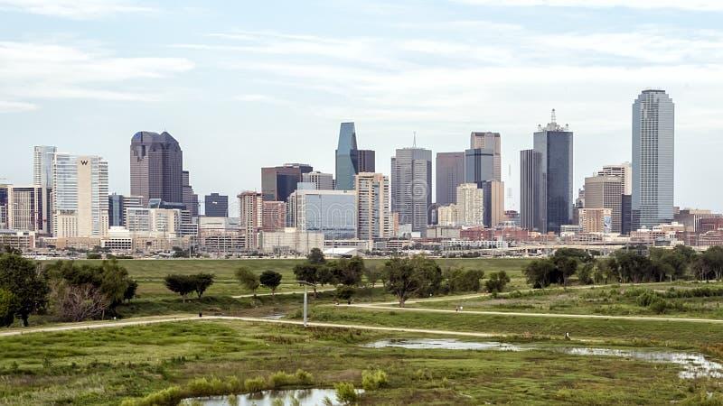 Dallas linia horyzontu od zachodu zdjęcia stock
