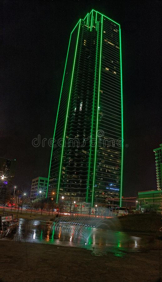 Dallas Skyline bij Nacht in de Winter royalty-vrije stock foto's