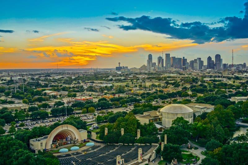 Dallas Skyline Sunset imagen de archivo libre de regalías