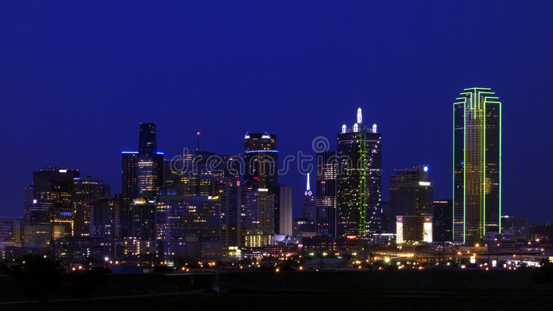 Dallas Skyline from the West in first darkness royalty free stock photos