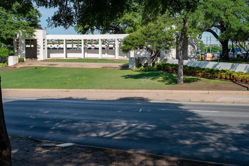 Dallas, Texas - Mei 7, 2018: Het Dealy-Plein en zijn omringende gebouwen in Dallas Van de binnenstad de plaats van John F stock afbeeldingen