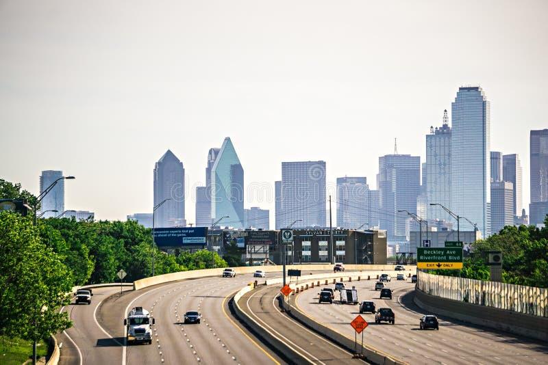 Dallas Texas miasta linia horyzontu przy dniem zdjęcie royalty free