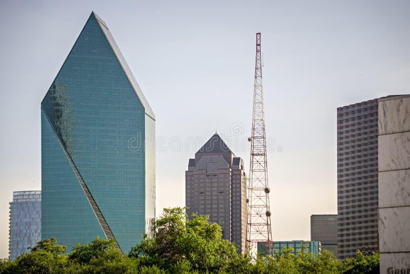 Dallas Texas miasta linia horyzontu przy dniem fotografia stock