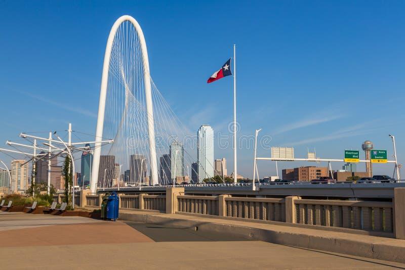 Dallas w centrum linia horyzontu i Margaret buda wzgórzy most od Conti obrazy royalty free