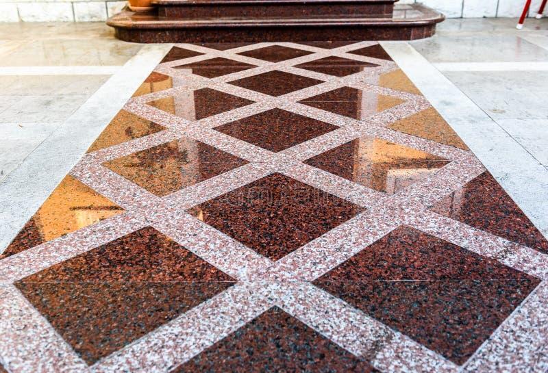 Dalles de plancher de marbre ou de granit pour le plancher extérieur de trottoir image stock
