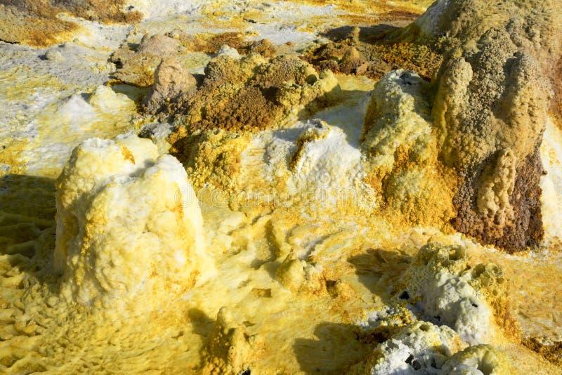 Dalol, депрессия Dankakil Вулканические горячие источники Эфиопии Вулкан земли Earth's самый низкий стоковые фотографии rf