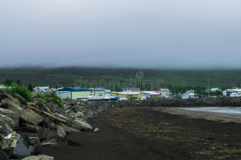 Dalvik strand, med mulna himlar royaltyfria foton