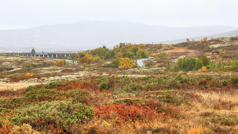 Dam bij het meer Stor Sverje, Noorwegen royalty-vrije stock fotografie
