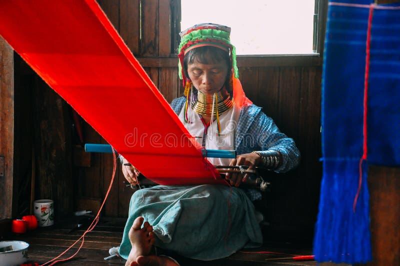 Dam för hals för Padaung stam lång av Inle sjön arkivbild