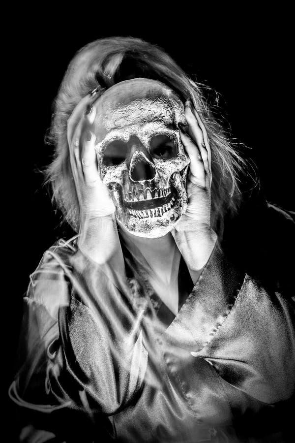 Dam Ghost Skull royaltyfri foto