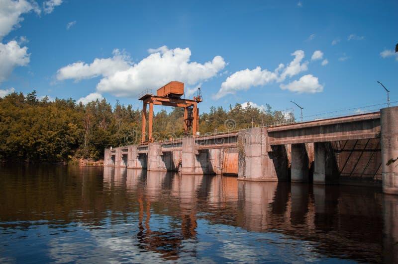 Dam op de Teteriv-Rivier royalty-vrije stock afbeelding
