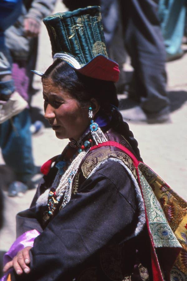 Dam på festivalen i Ladakh, Indien arkivbilder
