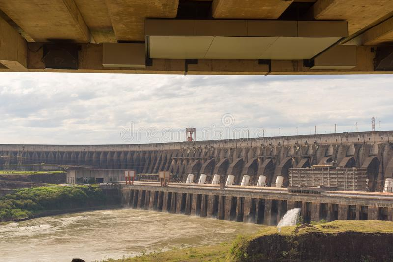 Dam van hydro-elektrische elektrische centrale 07 van Itaipu stock afbeelding