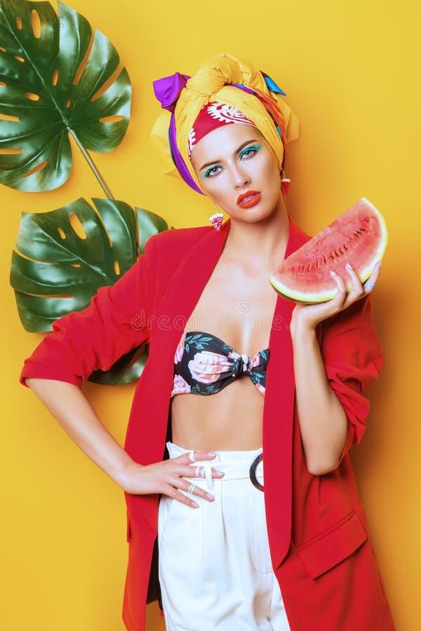 Dama z arbuzem zdjęcia stock