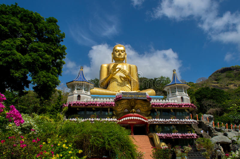 Dambulla guld- tempel i Sri Lanka royaltyfri bild
