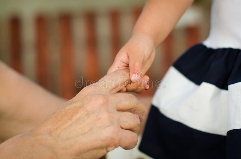 Dame âgée et enfant photo libre de droits
