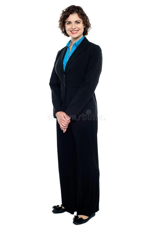 Dame assez jeune d'affaires dans le vêtement formel photos libres de droits