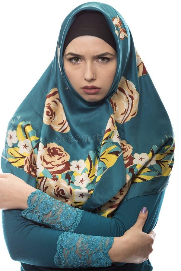 Dame die in Hijab Boos kijken royalty-vrije stock foto