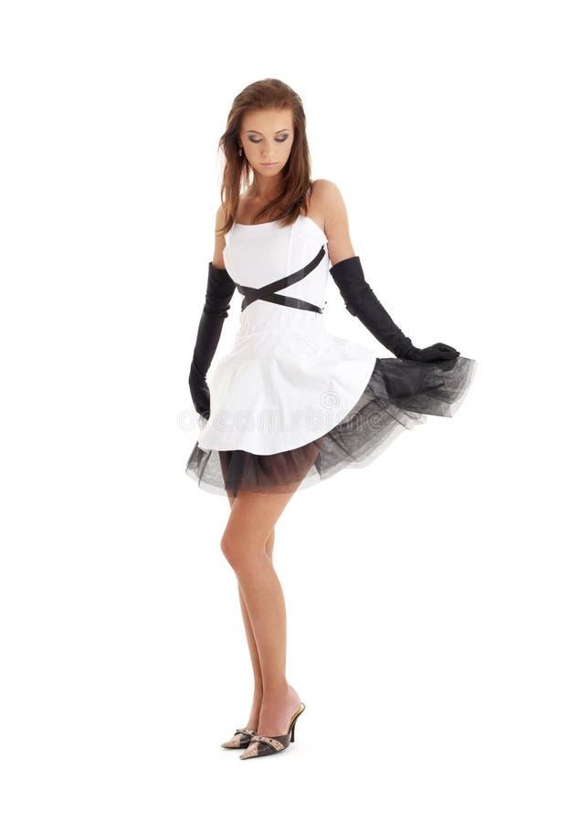 Dame im Schwarzweiss-Kleid stockfoto
