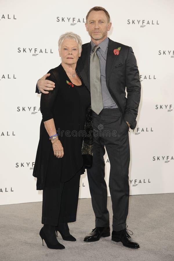 Download Dame Judi Dench, Daniel Craig, Judi Dench, (Dame) Judi Dench, James Bond Editorial Stock Image - Image: 22873709