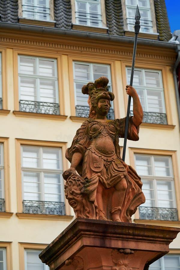 Dame Justice Frankfurt-Justitia in Romerberg Quadrat lizenzfreies stockbild