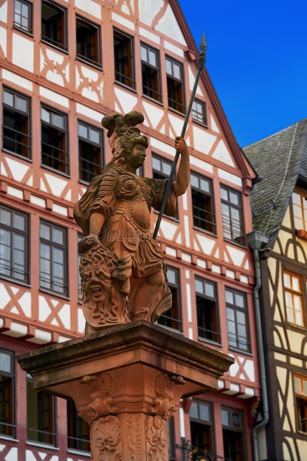 Dame Justice Frankfurt-Justitia in Romerberg Quadrat stockfotografie