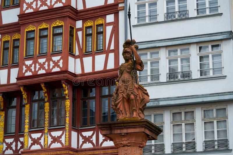 Dame Justice Frankfurt-Justitia in Romerberg Quadrat lizenzfreie stockfotografie