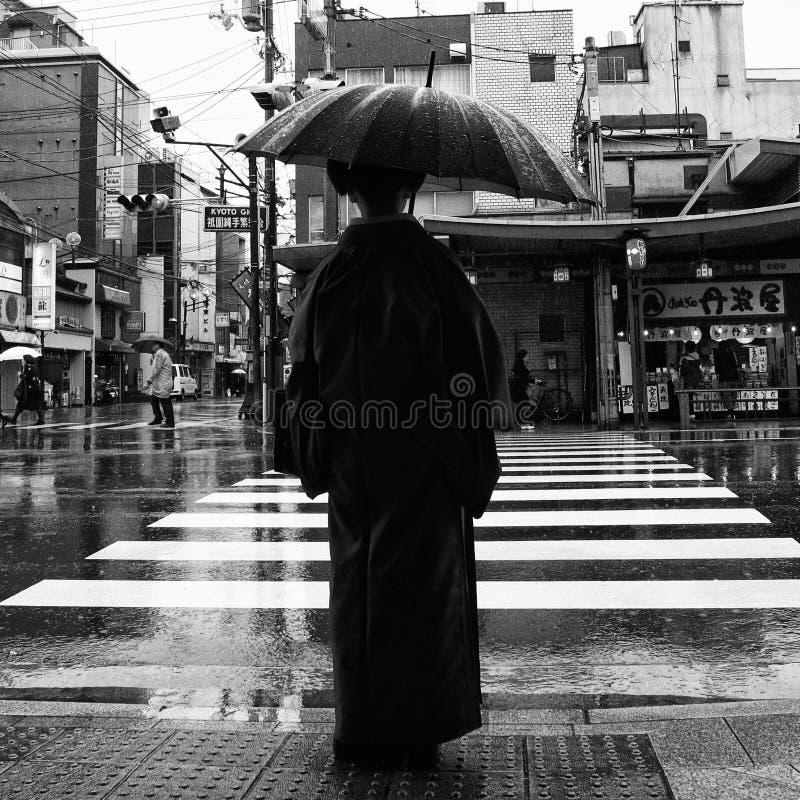 Dame In Kimono stockfotos