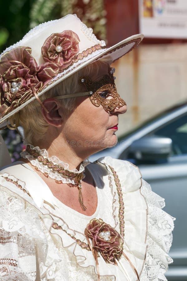 Dame in masker royalty-vrije stock afbeelding