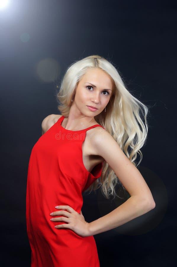 Dame In Red lizenzfreies stockfoto