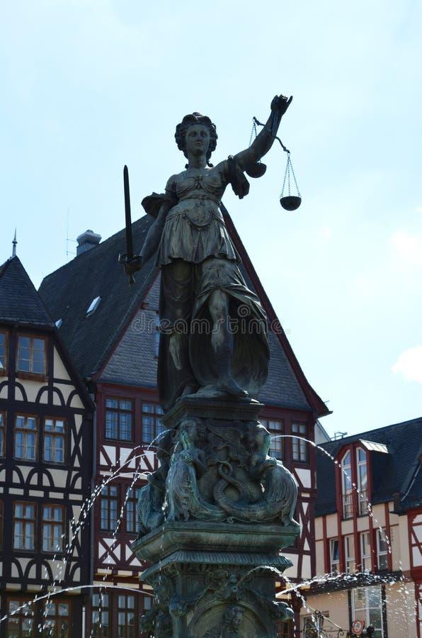 Damerechtvaardigheid op de Roemer-plaats in Frankfurt royalty-vrije stock foto