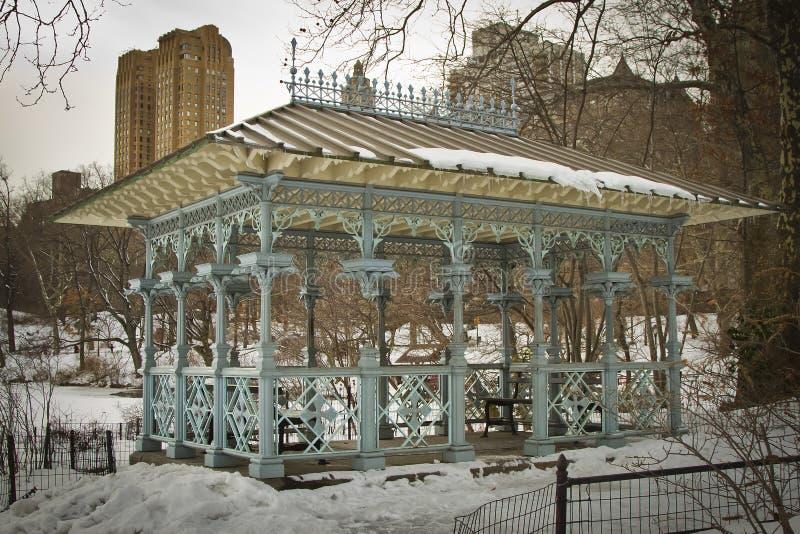 Damers paviljong i Central Park, New York fotografering för bildbyråer
