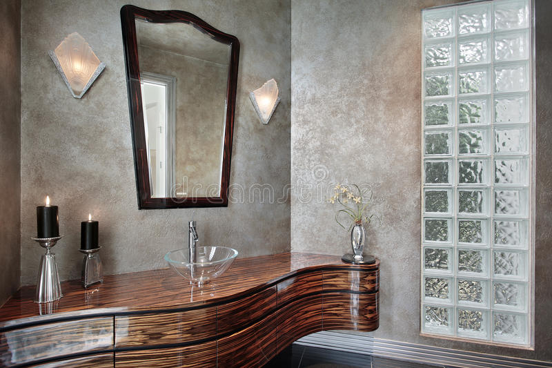 Damestoilet met leaded glas royalty-vrije stock afbeelding