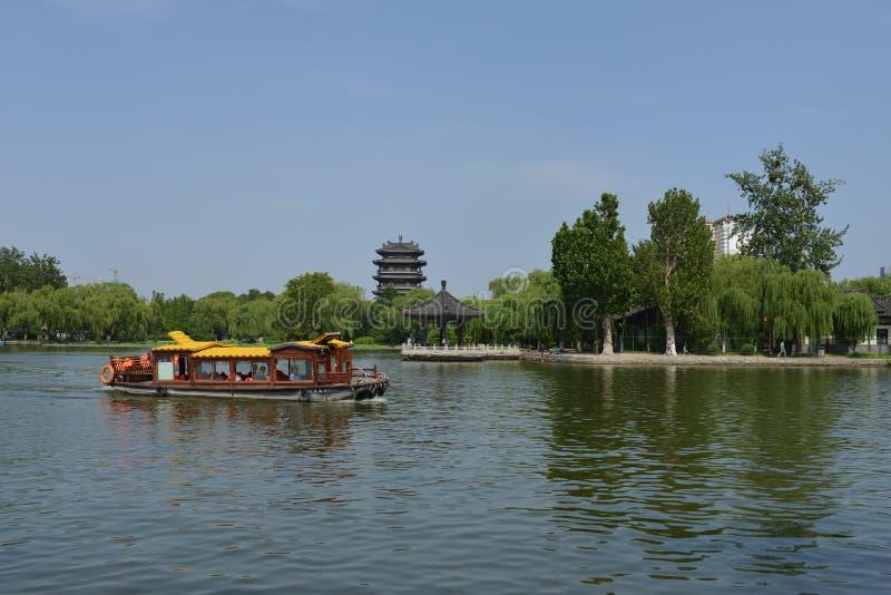 Daming Lake em Jinan imagem de stock