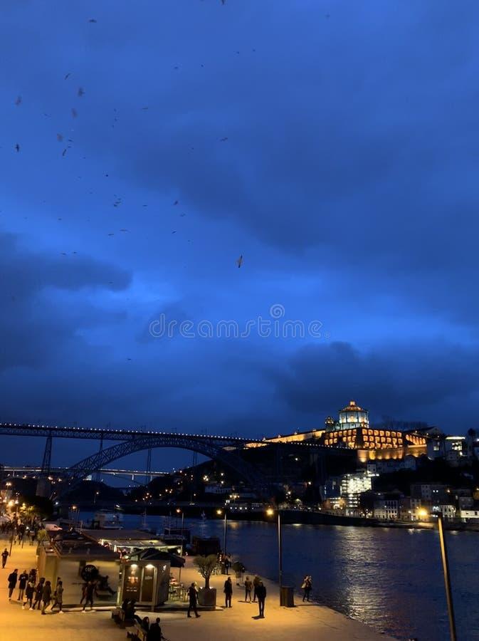 Damm p? den Oporto flodstranden royaltyfria foton