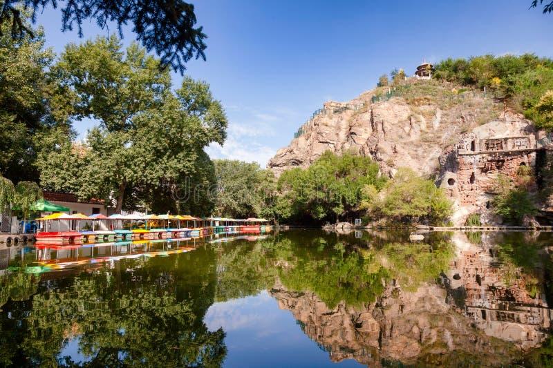 Dammet på Hong Shan parkerar Urumqi Xinjiang Kina fotografering för bildbyråer