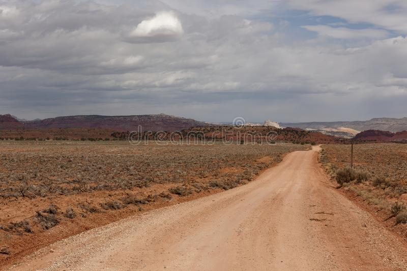 Dammig väg i Utah arkivbild
