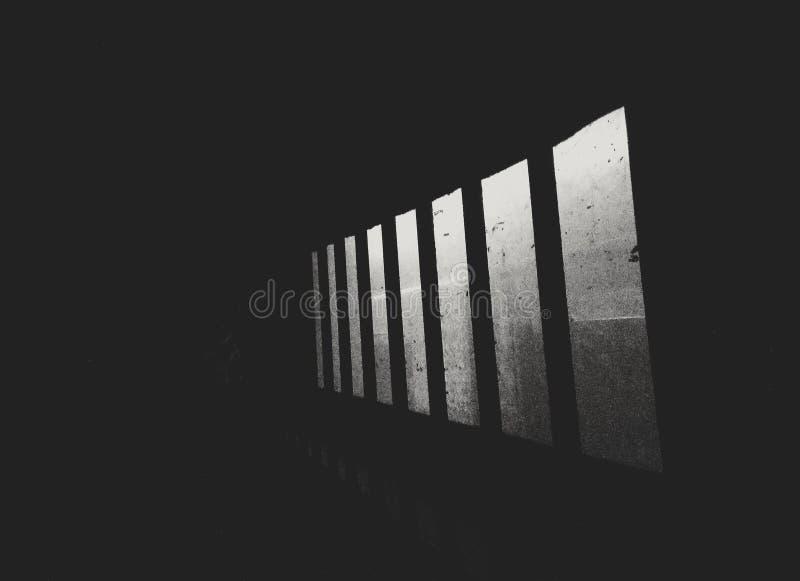 Dammiga fönster arkivbild