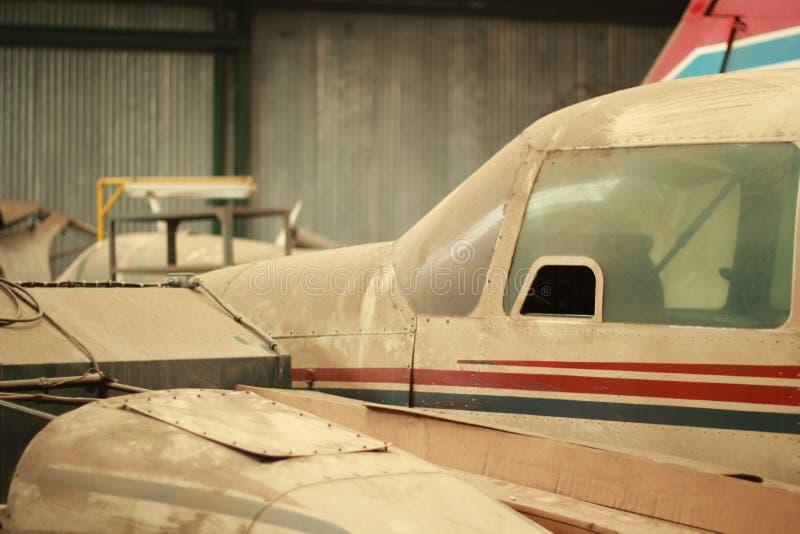 Dammigt flygplan royaltyfri fotografi