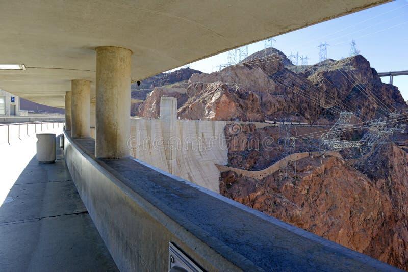 Dammsugarefördämningen, en massiv hydroelektrisk teknikgränsmärke som lokaliseras på Nevada, och Arizona gränsar arkivfoto