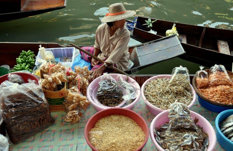 damnoen плавая saduak Таиланд рынка стоковые изображения