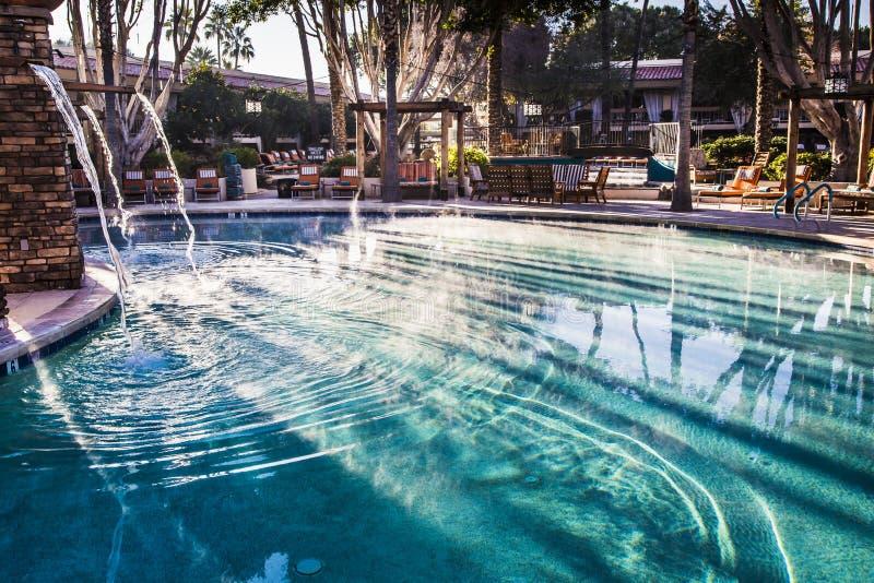 Dampf auf dem Pool stockbilder