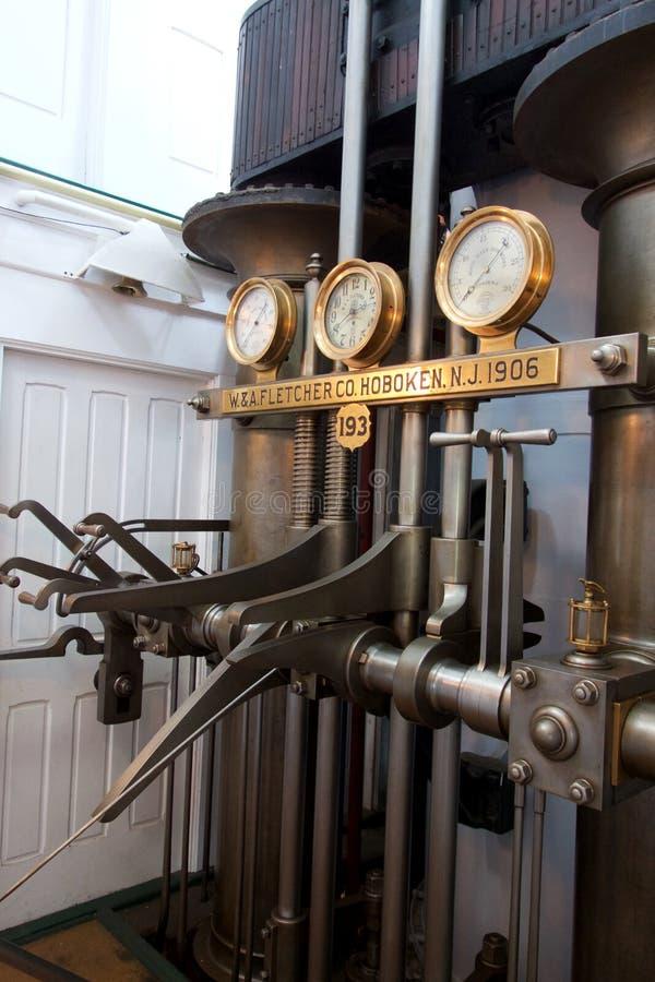 Dampf-Bootsmotor-Leitstelle lizenzfreies stockfoto