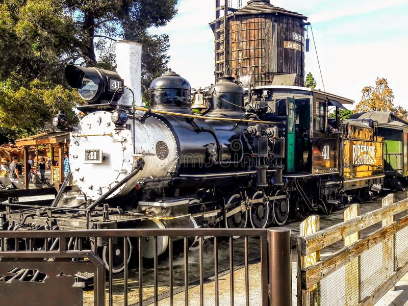 Dampf-Maschine bei Knotts Berry Farm in Buena Park Kalifornien stockbild
