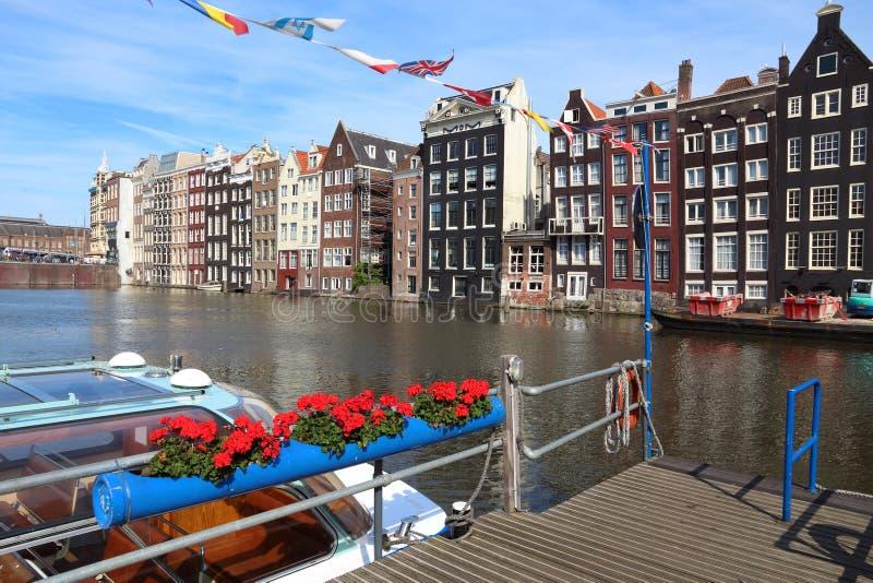Damrak-Kanal, Amsterdam stockbilder