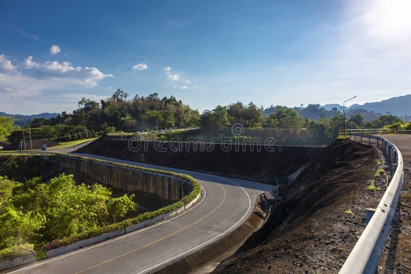 Damweg royalty-vrije stock afbeelding
