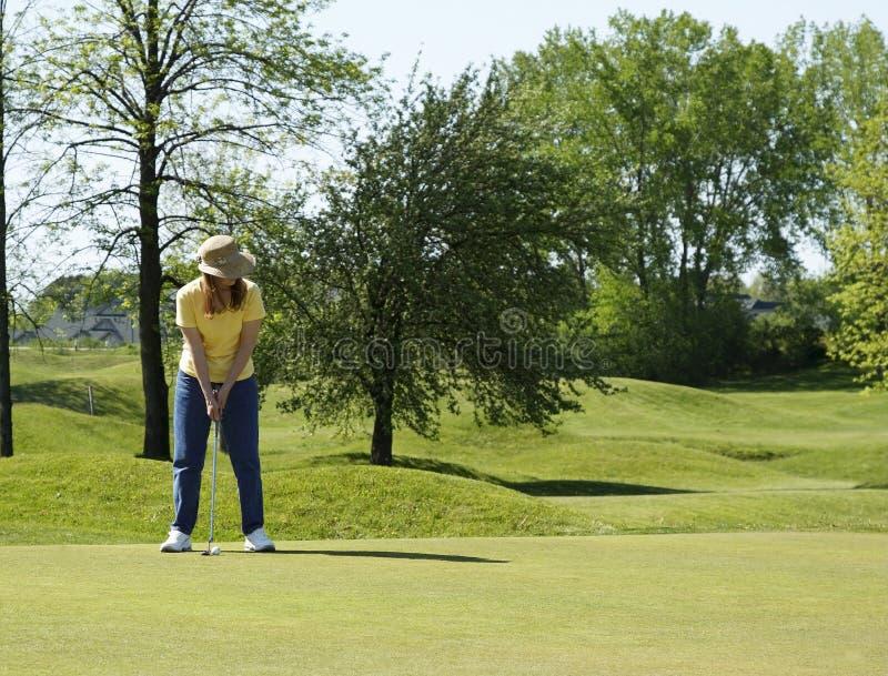damy golfowy zielony kładzenie zdjęcie royalty free