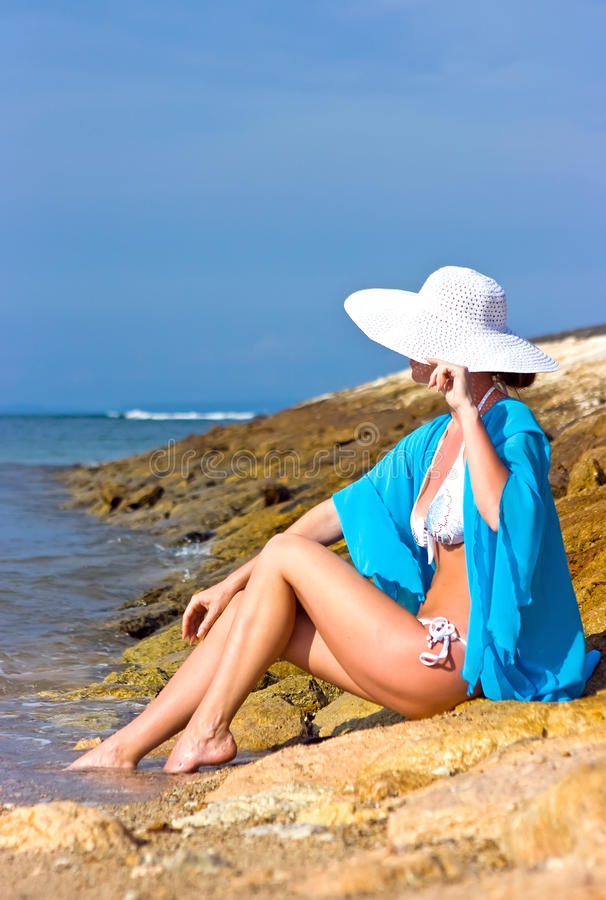 damy plażowa błękitny chusta zdjęcie royalty free