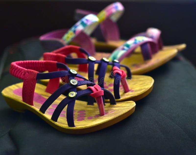 Damy use sandałów skóra robić zaopatruje fotografię obrazy stock